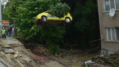 """Пострадалите от потопа в """"Аспарухово"""" започват съдебна битка"""
