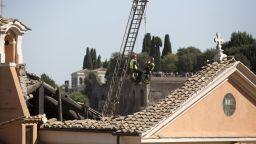 Падна таван на църква от 16 в. в Рим