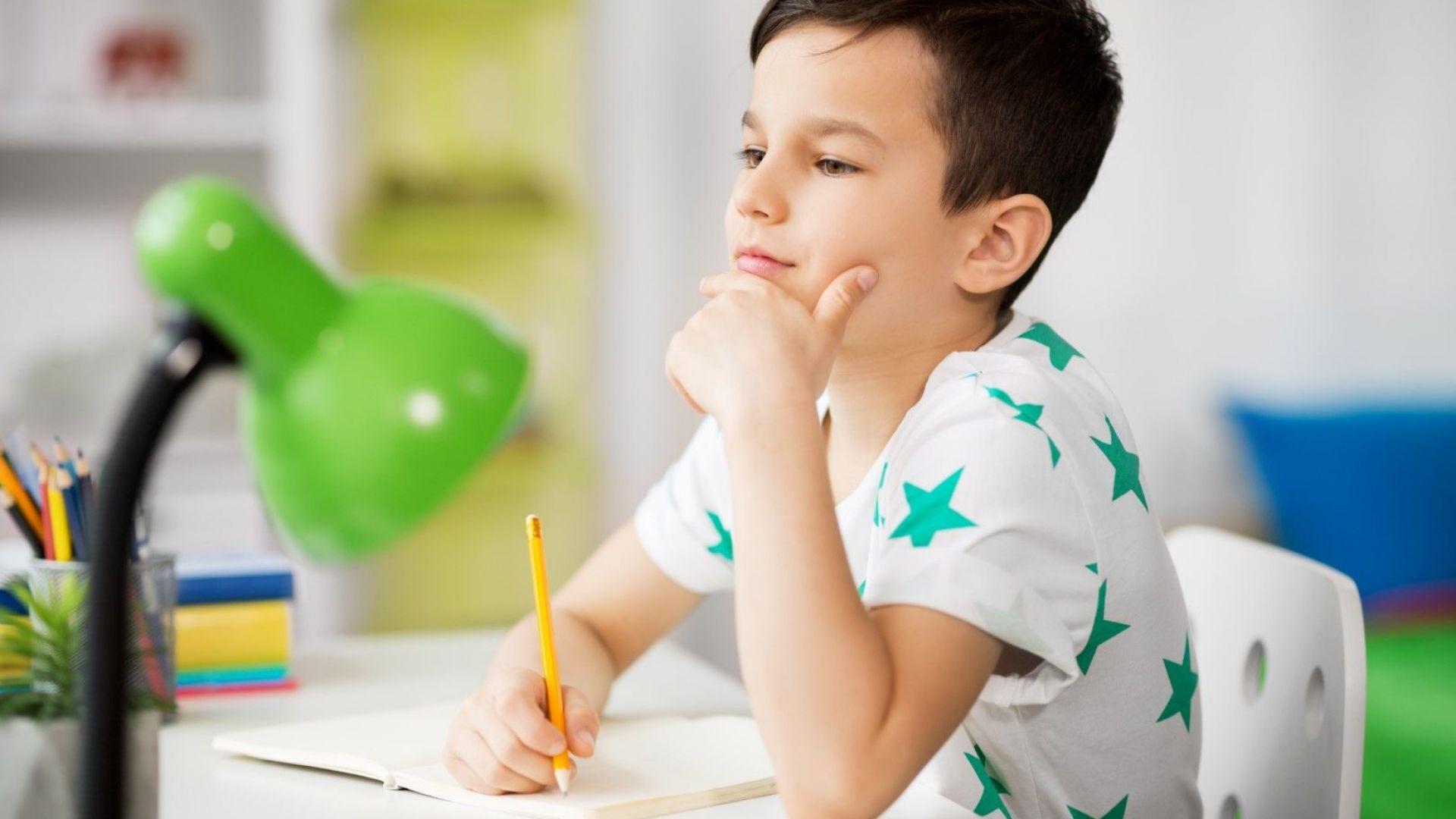 5 неща, с които да организирате бюрото на детето