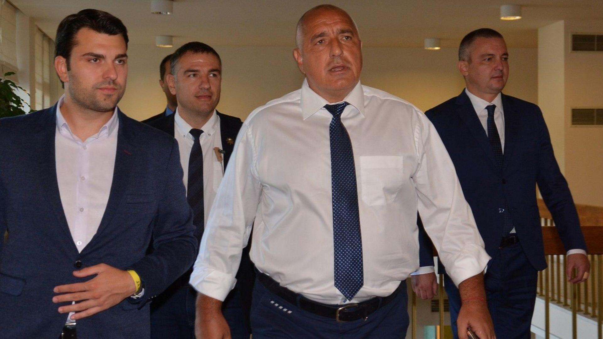 Бойко Борисов: Оставката на тримата министри е доброволен акт