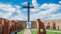 Дворът на кирилицата открива нови паметници в писателската алея