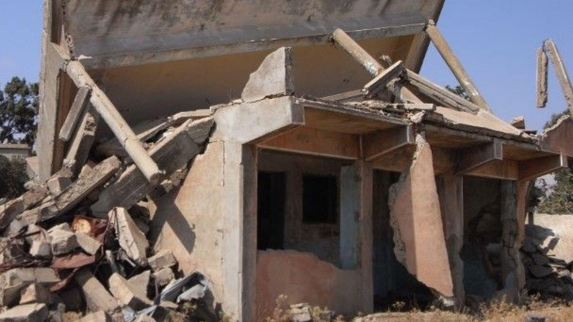 Няколко взрива са се чули в авиобазата край сирийската столица