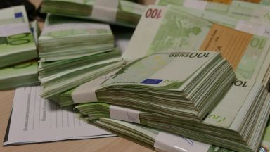 """Албанската опозиция: Властите """"задушават бизнеса"""" в страната"""