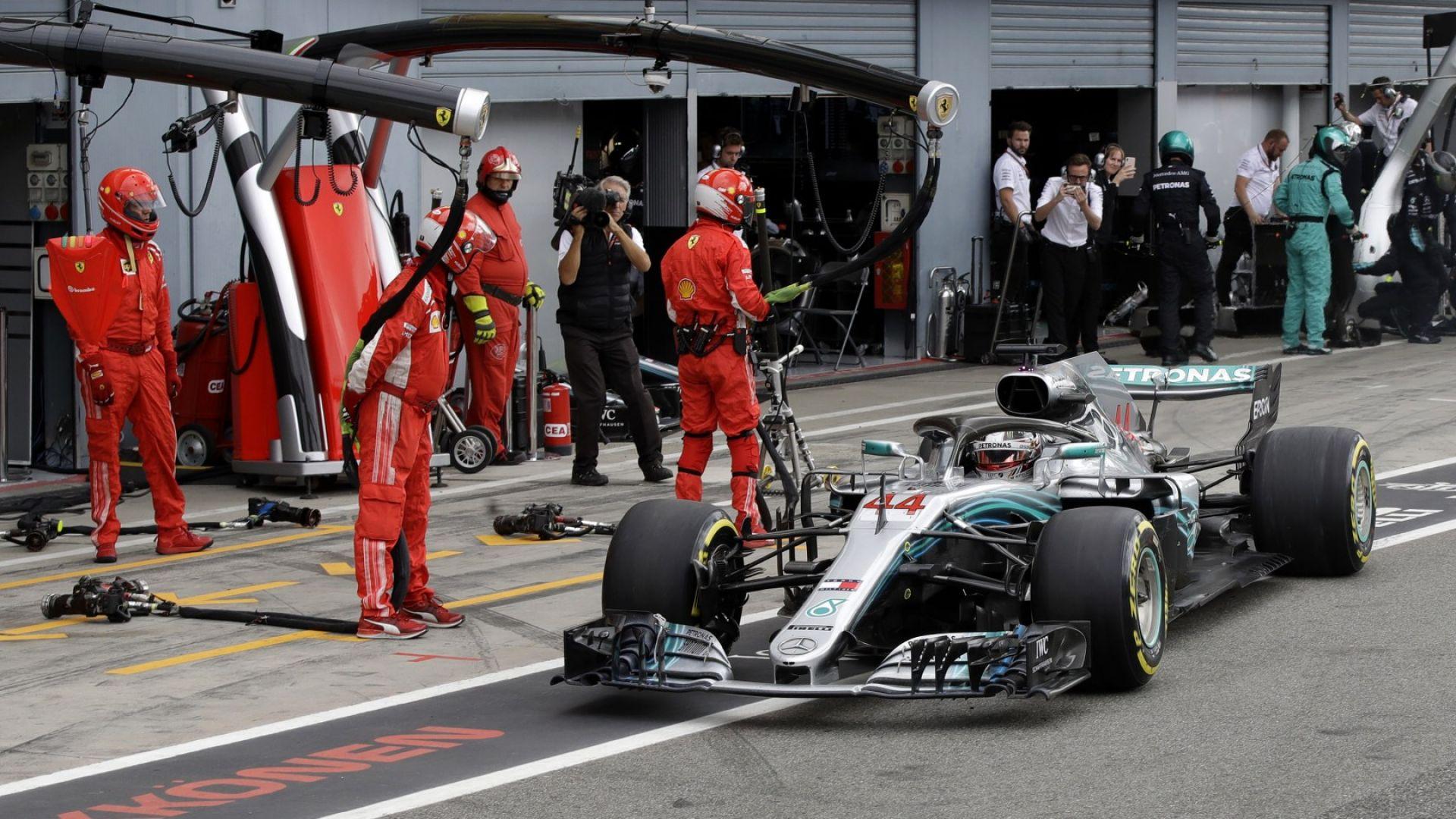 """Хамилтън ще стартира първи, провал за """"Ферари"""""""