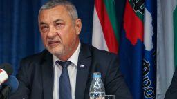 Контрапротест в защита Симеонов: Да подкрепим човек, който милее за България