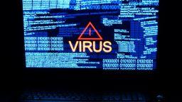 Нов вирус чете съобщенията в месинджърите