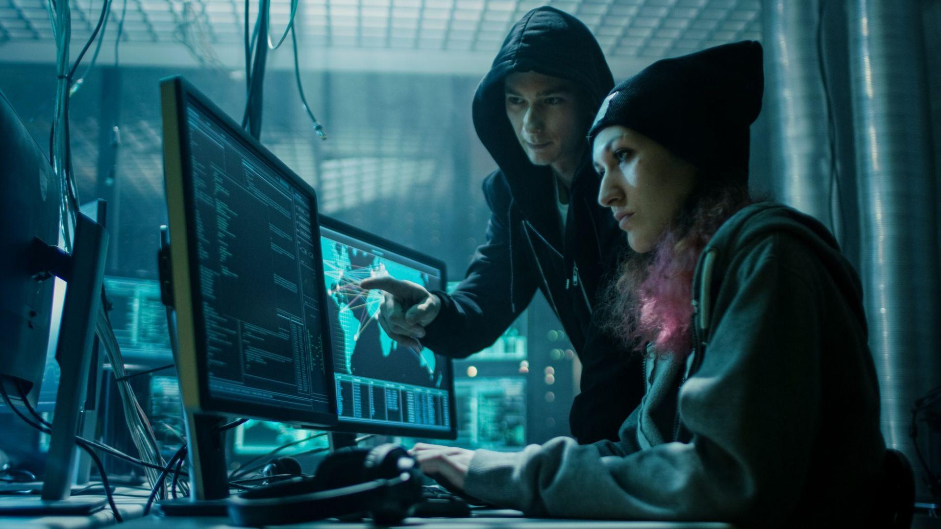 Хакерската общност наброява няколко десетки хиляди