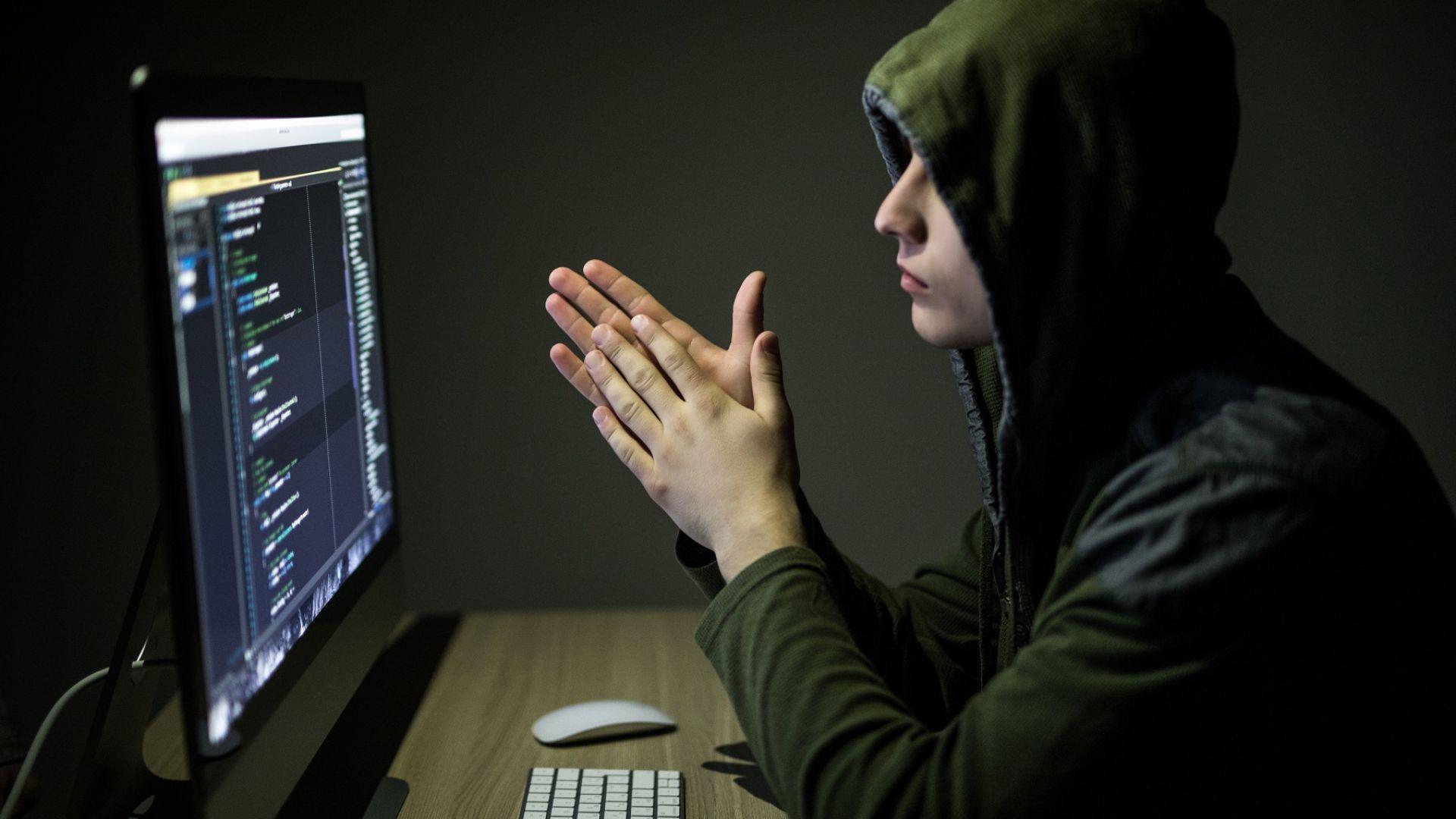 Русия създава операционна система, която не може да се хакне