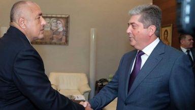 """Първанов настоя пред Борисов за нов договор за """"общата история"""" с Македония"""
