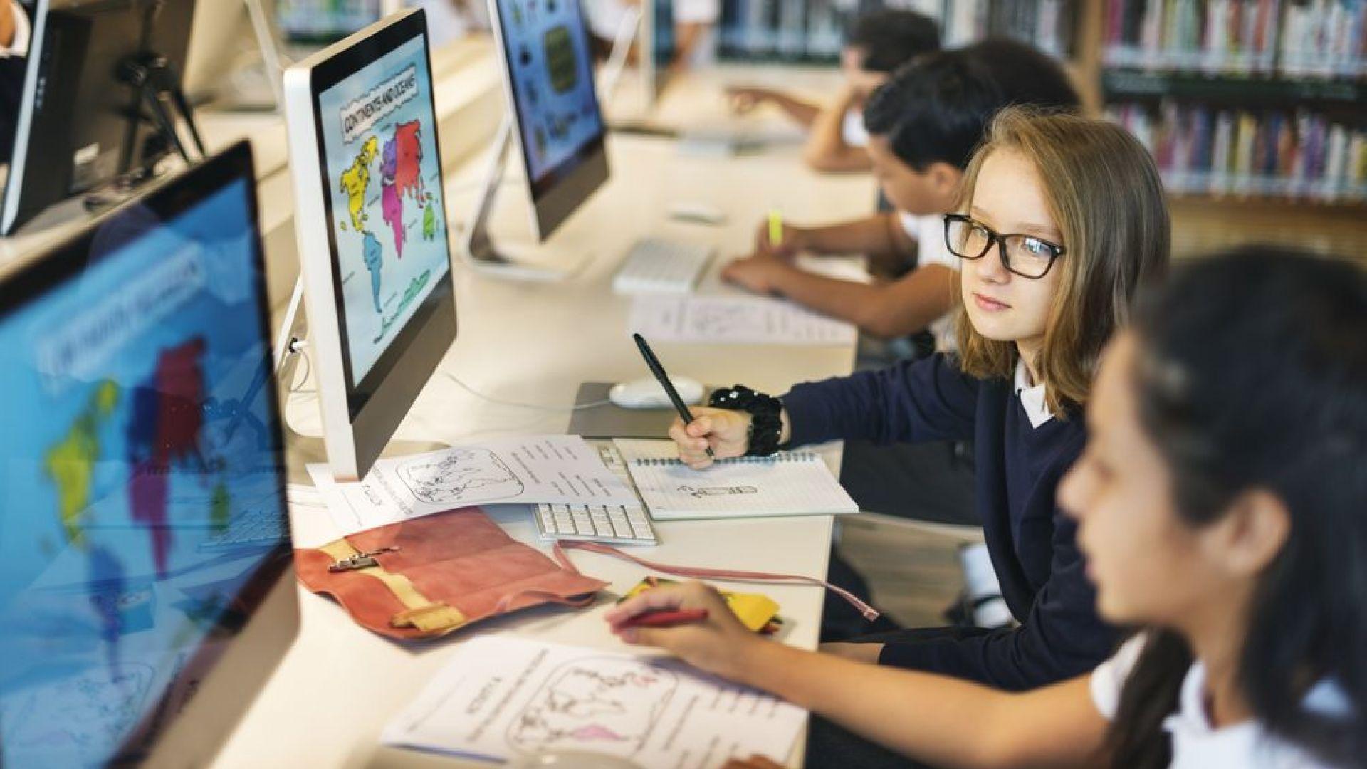 Експерт: Електронните учебници ще са допълнение, а не алтернатива на книжните