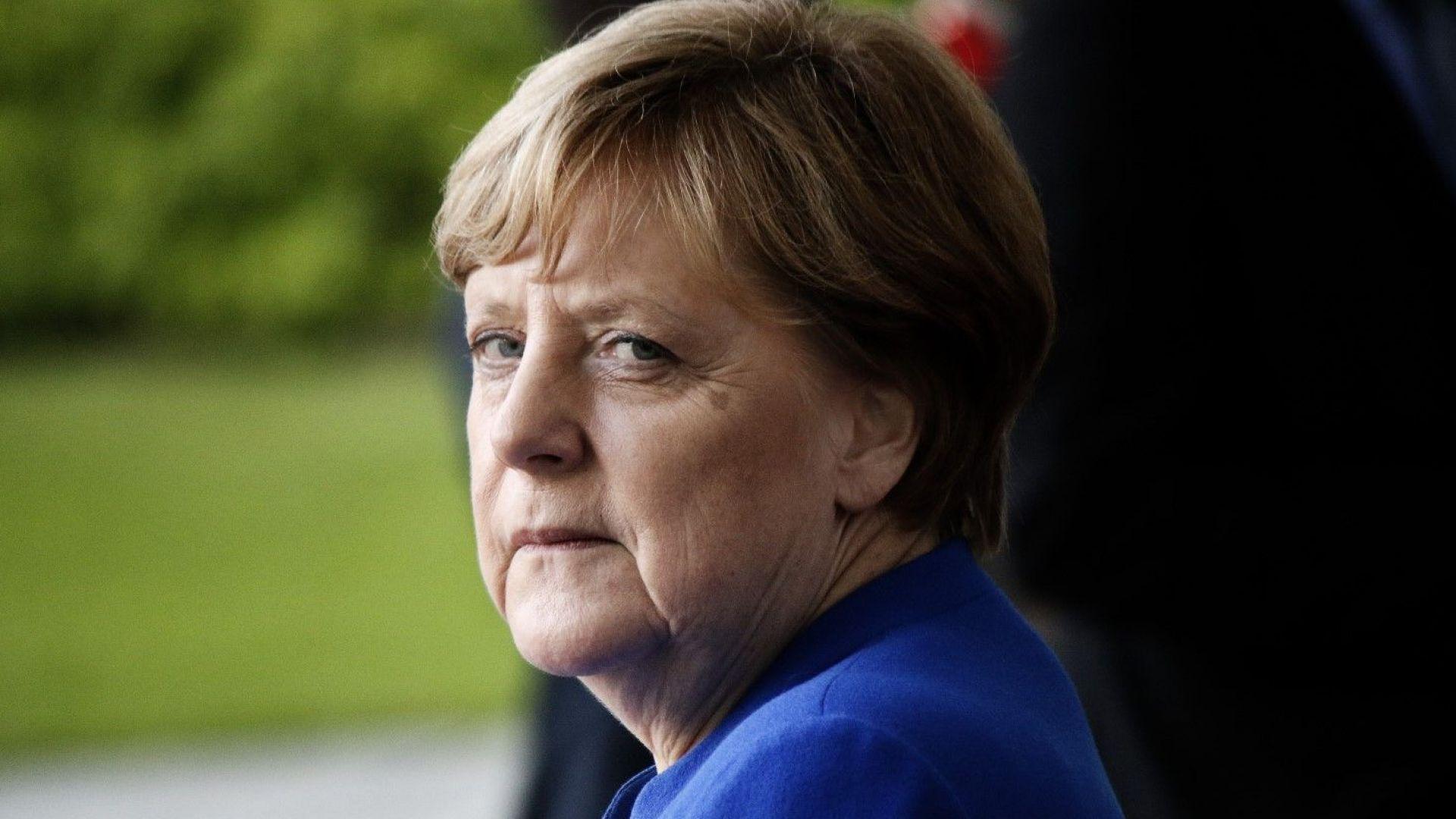 Меркел уволни шефа на контраразузнаването заради Кемниц