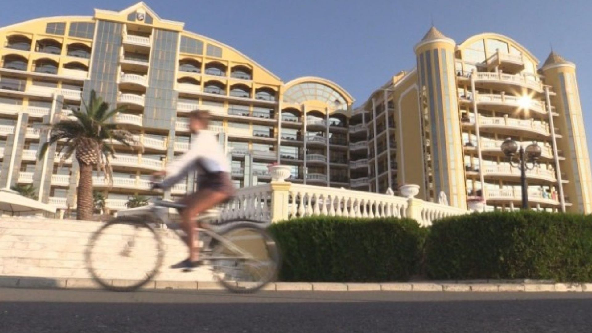 Повдигнаха обвинение на вилнелия в хотел в Слънчев бряг англичанин