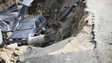 """Изкоп на строителен обект погълна автомобил в """"Овча купел"""""""