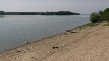 Хванаха мигранти при опит да преминат Дунав с лодка