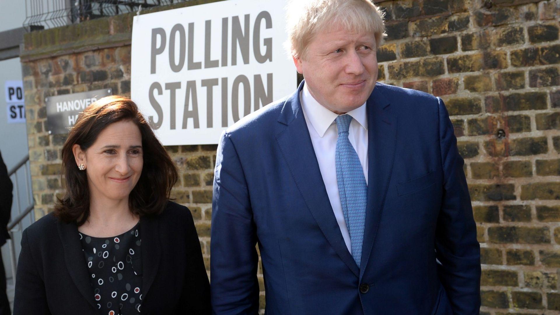 Спряганият за премиер Борис Джонсън се развежда, изневерявал