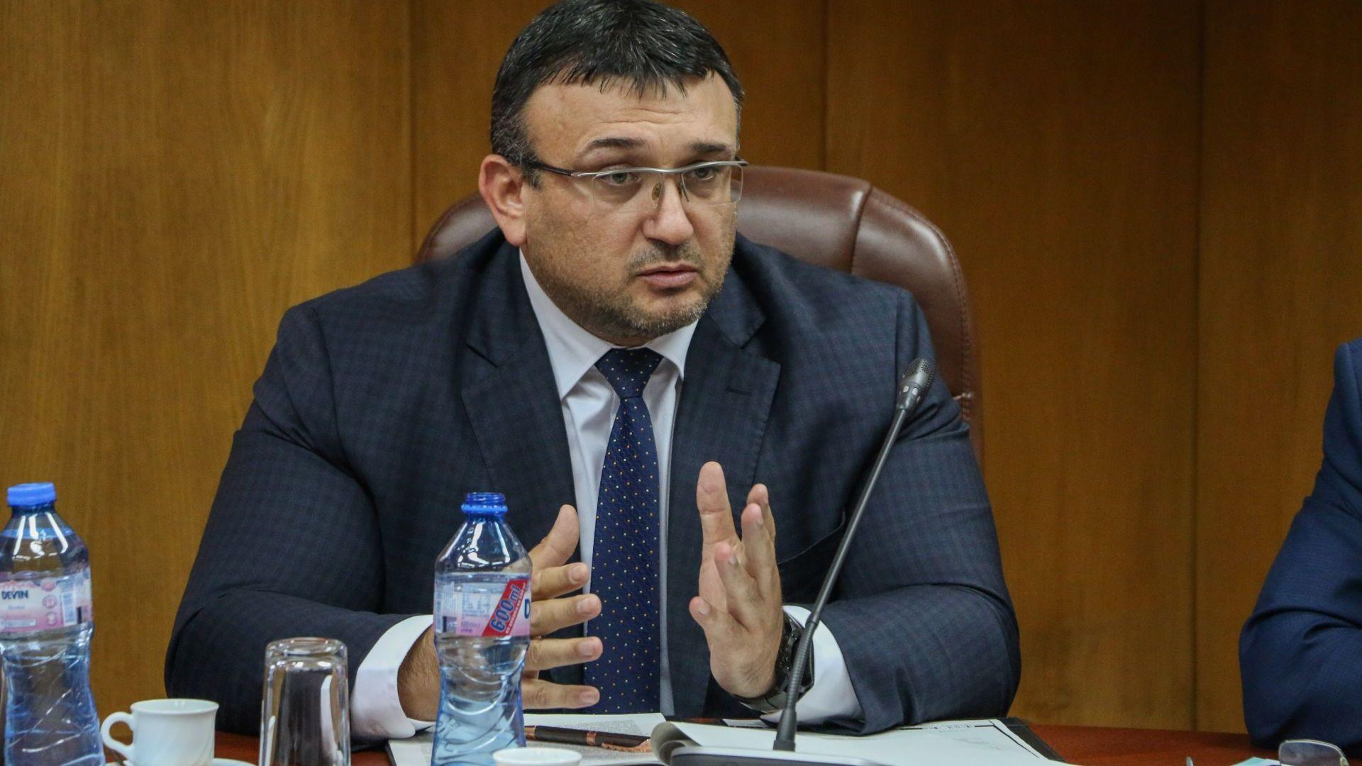 Вътрешният министър: Престъпността намалява, убийствата са под 100