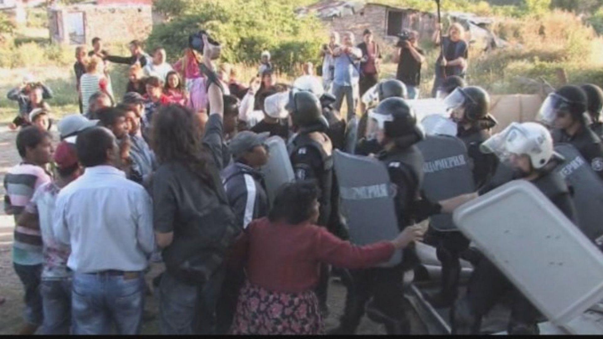 Ако не се реши въпросът с ромите, наистина напускам, потвърди Каракачанов