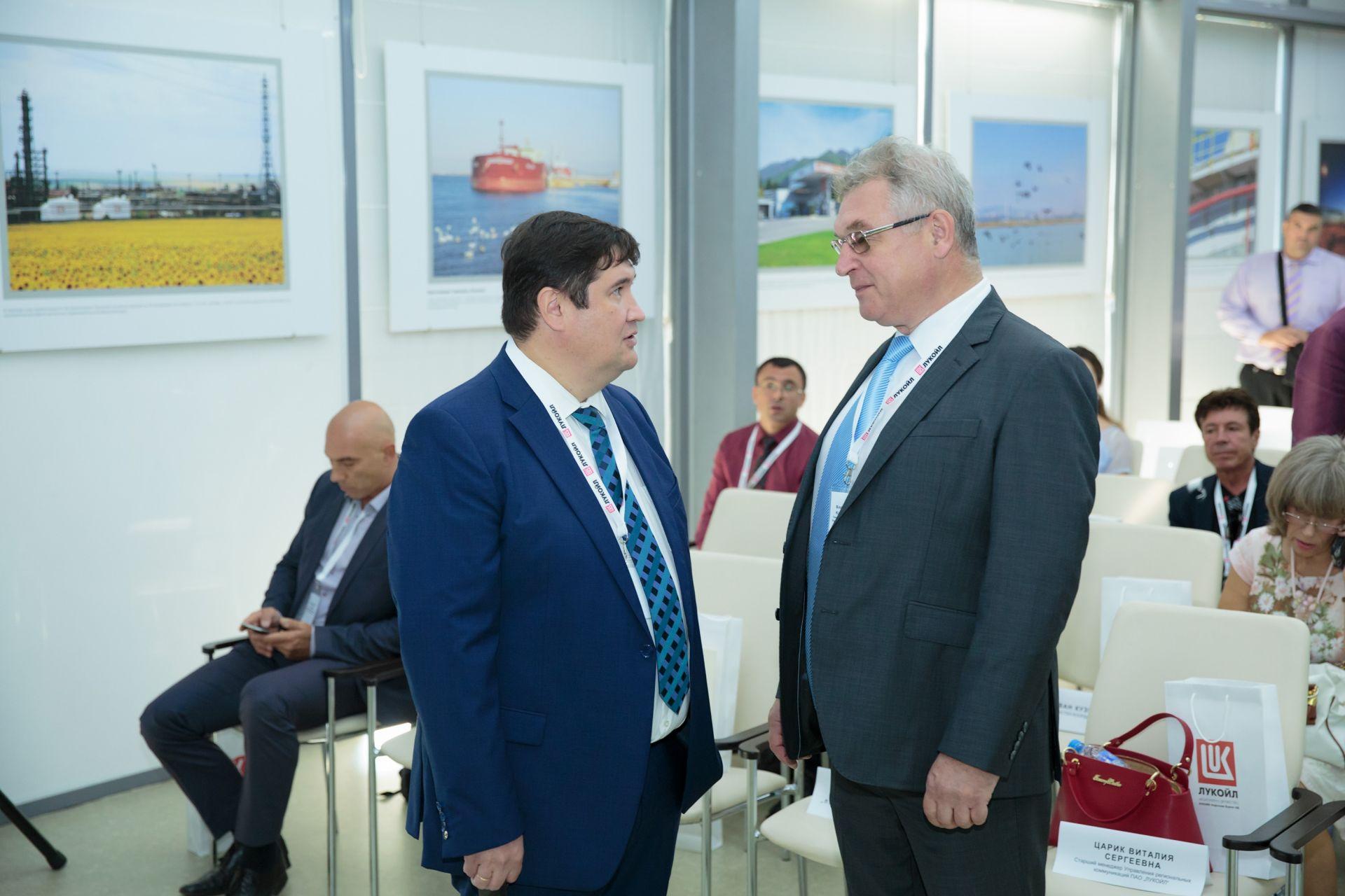 Лукойл празнува 55 г. от производството на първия български бензин
