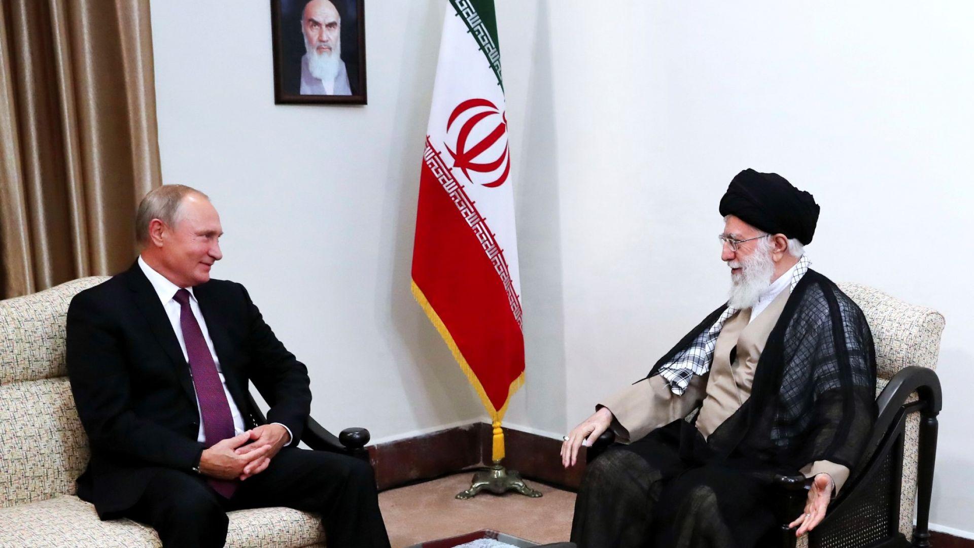 Путин се срещна с върховния лидер на Иран заради атаката срещу Идлиб