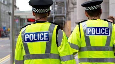 Подозрителна кола вдигна полицията в Лондон на крак