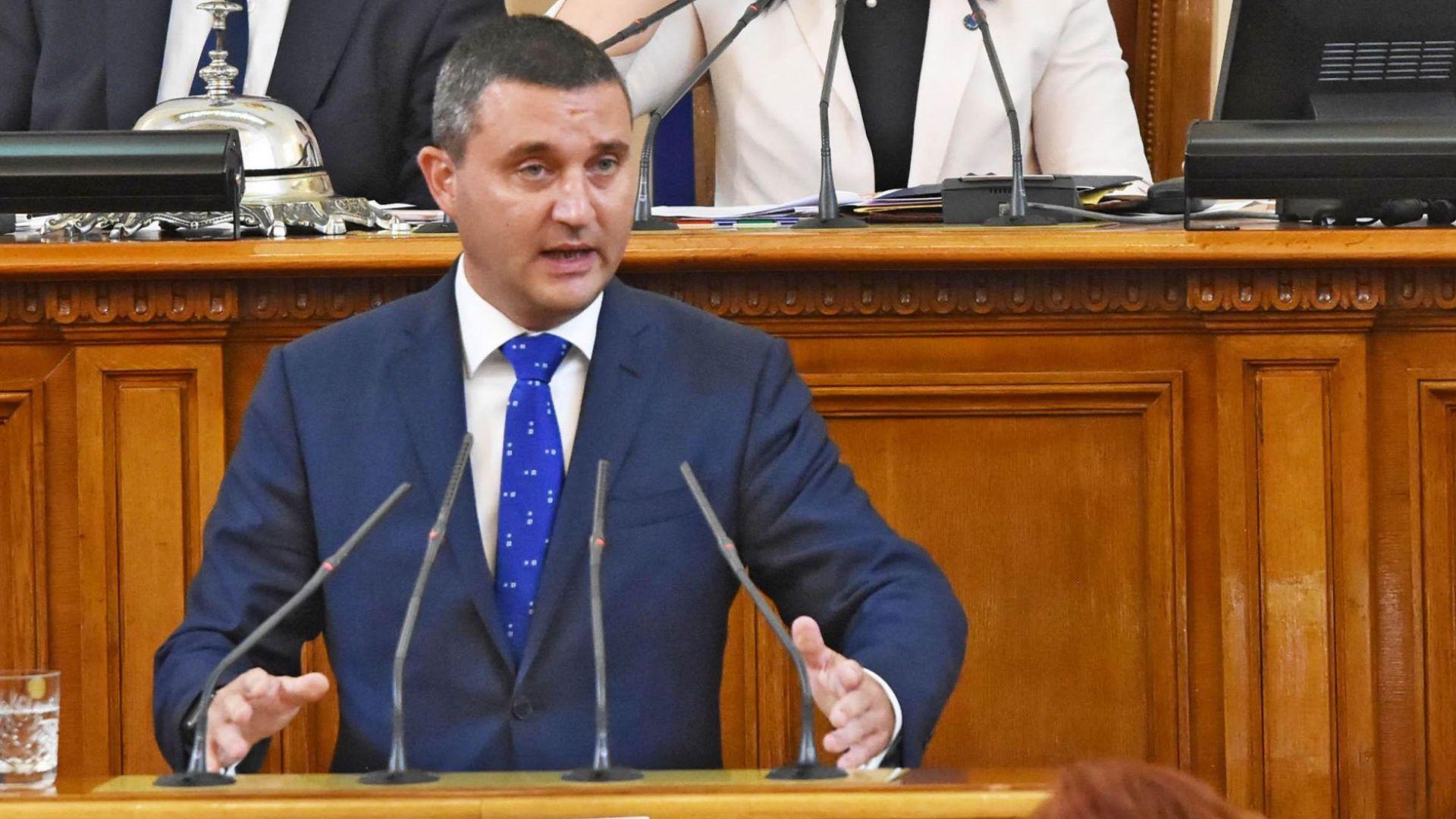 Горанов: Президентът излезе от ролята на обединител и стана опозиция, но това за ГЕРБ не е щета