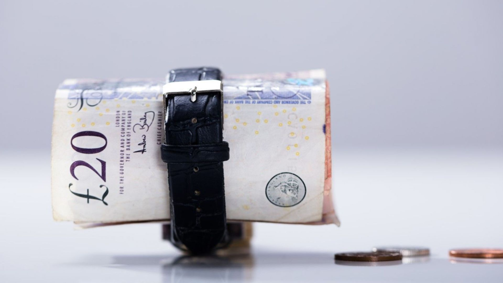 Заплатите във Великобритания скочиха с близо 3% за три месеца