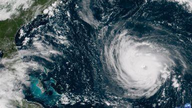 Извънредно положение във Вашингтон заради урагана Флорънс (видео)