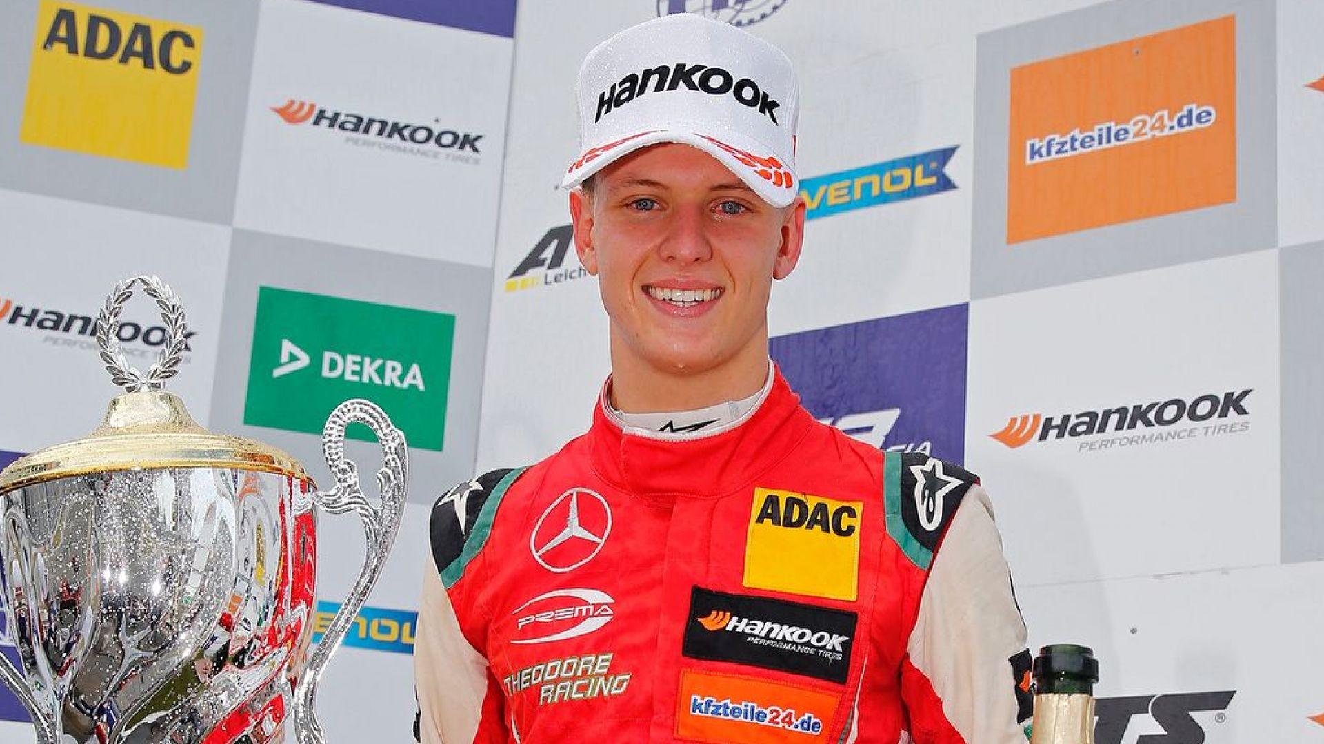 Шумахер с пета поредна победа, конкурент се усъмни в качествата му