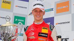 Отбор от Формула 1 иска Шумахер, той се дърпа