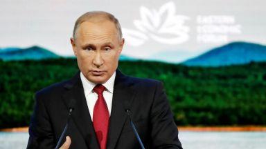 Проучва се възможност за среща между Мей и Путин