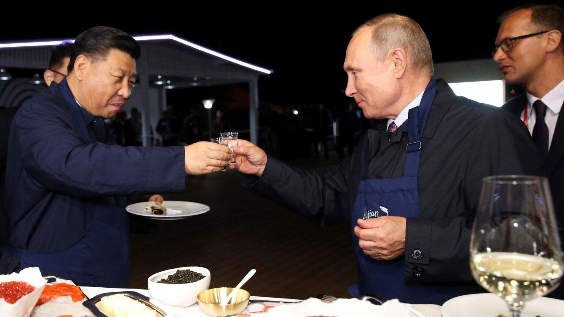 """""""Ханделсблат"""": Срещата Владимир Путин-Си Дзинпин - """"повече бира, отколкото водка"""""""