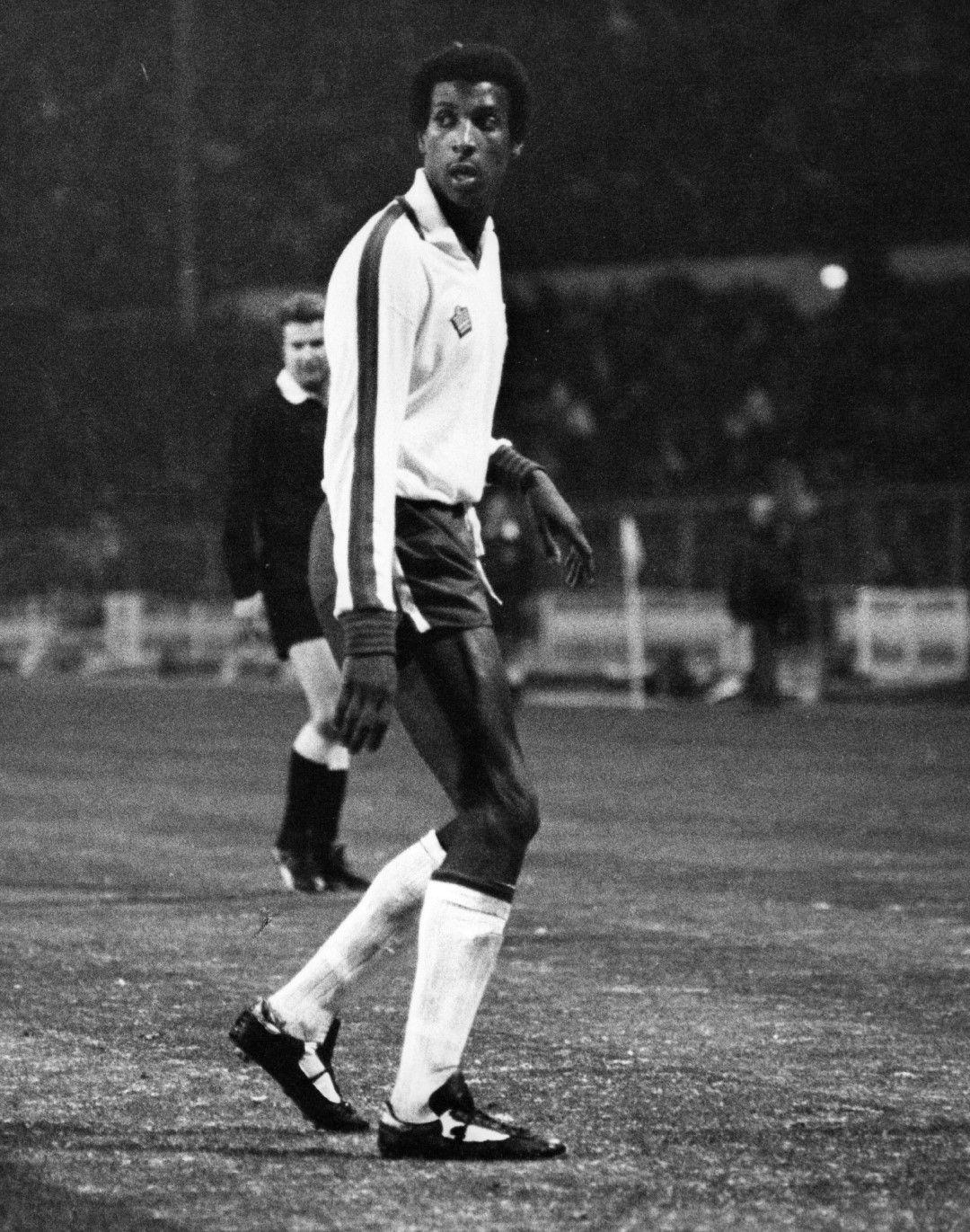 Вив Андерсън е първият тъмнокож футболист, носил екипа на Англия. Случи се едва през 1978 г.