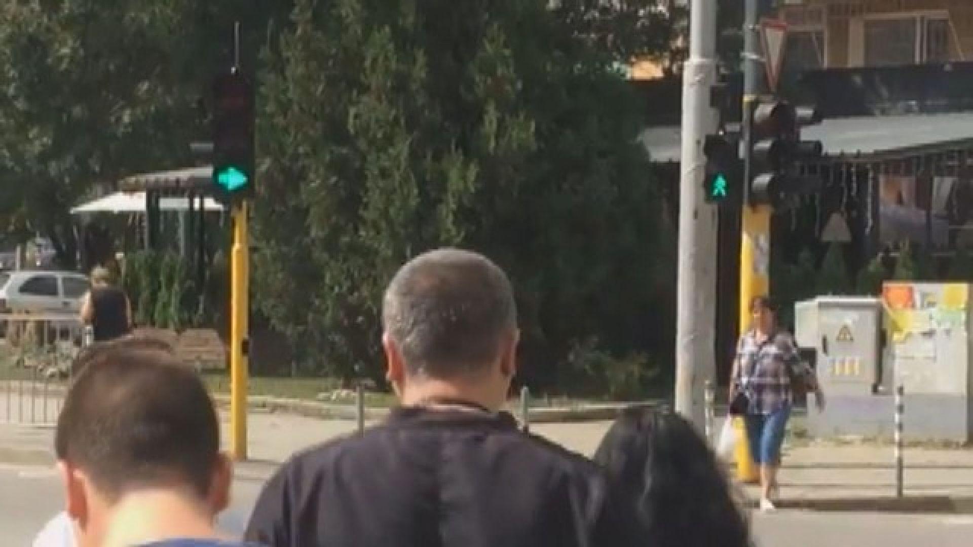 Граждани и Столична община в спор работи ли правилно светофар