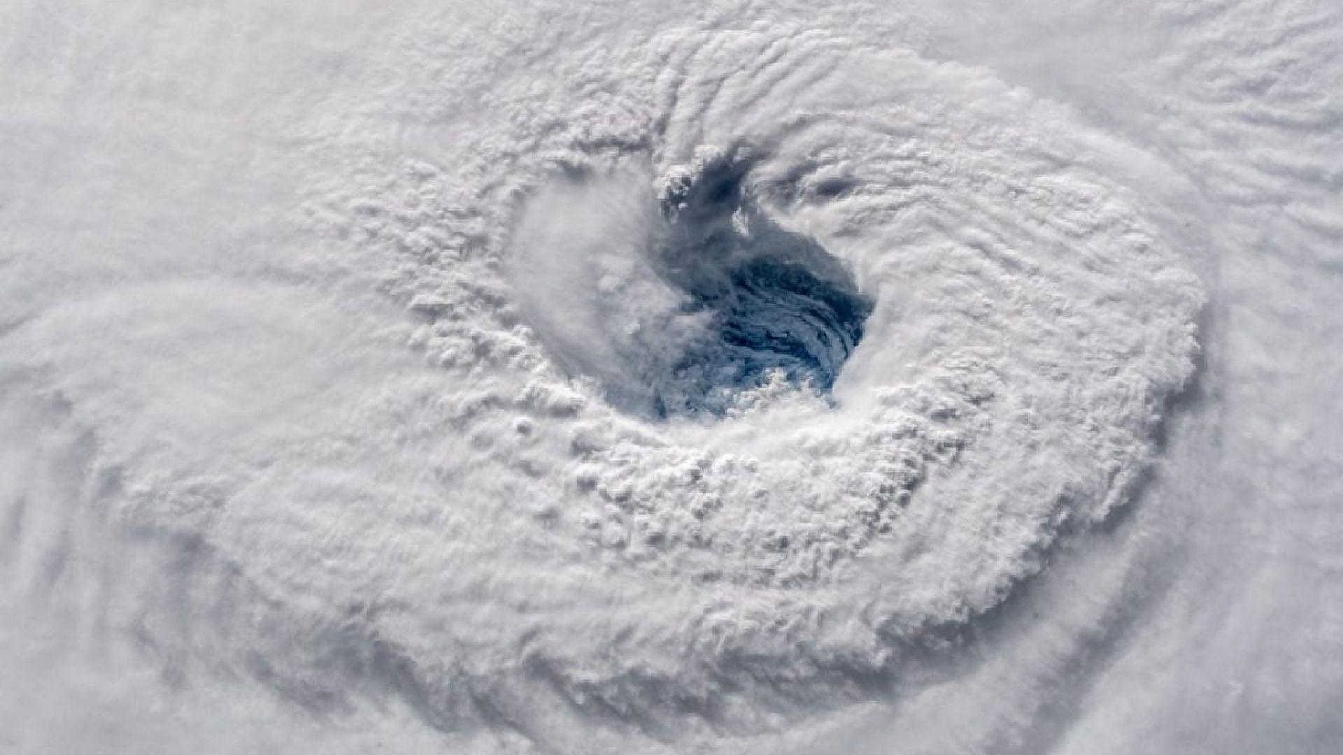 НАСА показа урагана Флорънс от Космоса (видео)