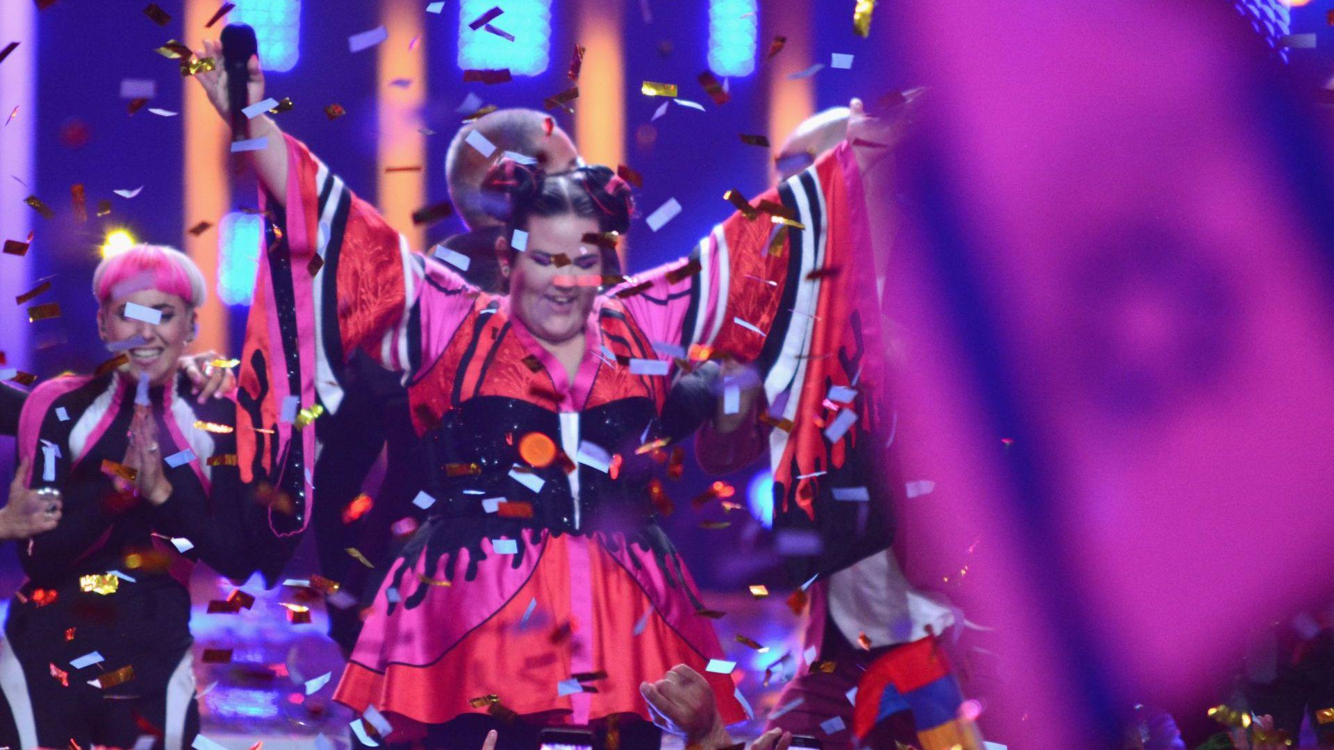 """Лисабон предаде на Тел Авив символичните ключове на """"Евровизия"""""""