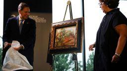 Присвоена от нацистите картина на Реноар беше върната на притежателите й