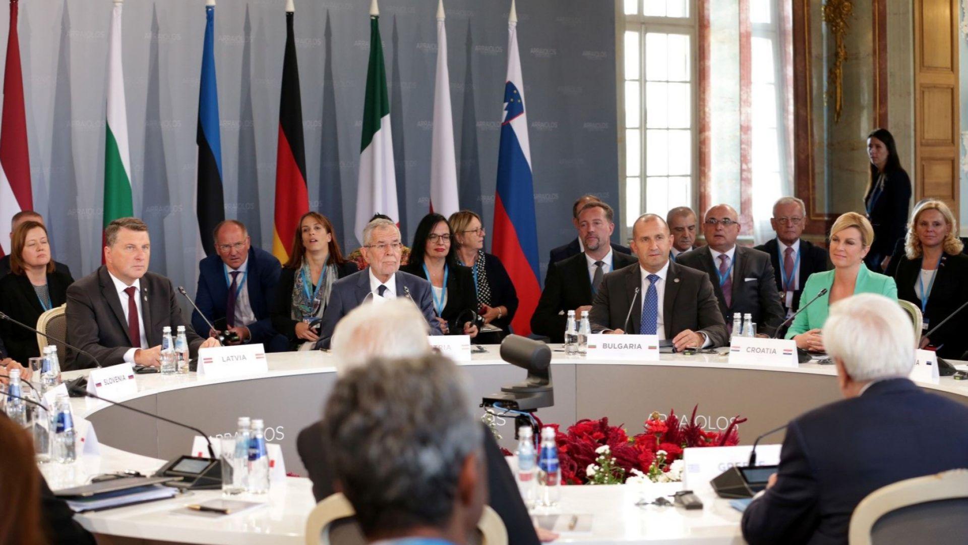 Радев: ЕС ще бъде успешен, ако олицетворява успеха на държавите членки
