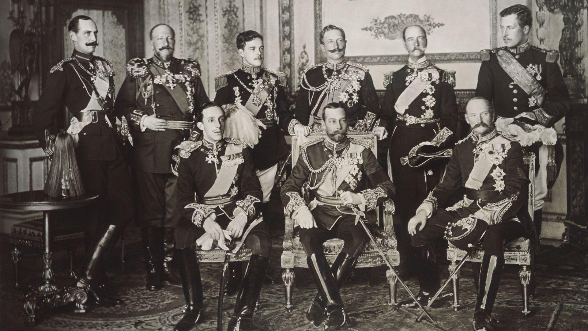 9-имата суверени на погребението на Едуард VII - Хаакон VII Норвежки, цар Фердинанд I, Мануел II, кайзер Вилхелм II на Германската Империя, Джордж I Гръцки, Албер I - Белгия, Алфонсо XIII от Испания, крал-император Джордж V и Фредерик VIII Датски