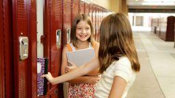 Отделят още 6 млн. лева за шкафчета на всички ученици до 7 клас