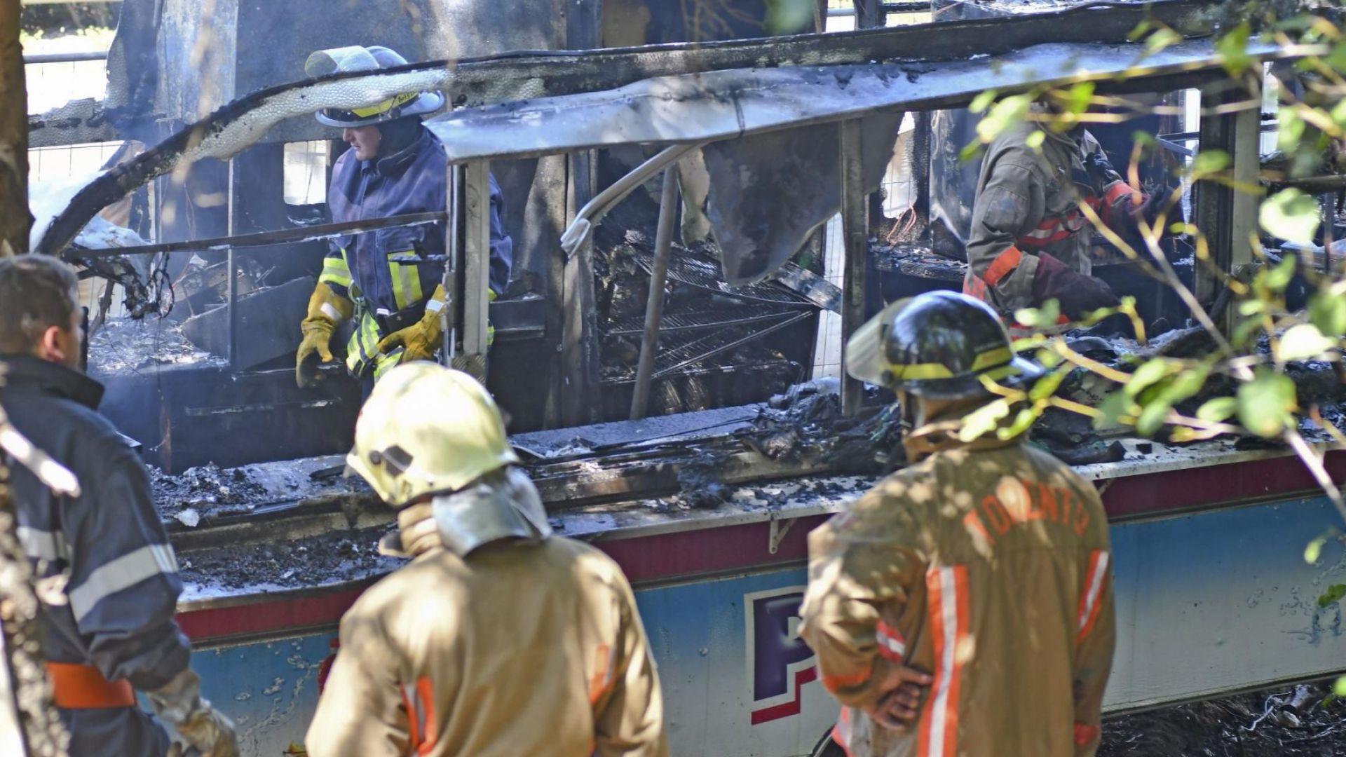 Автобус се е запалил на магистрала