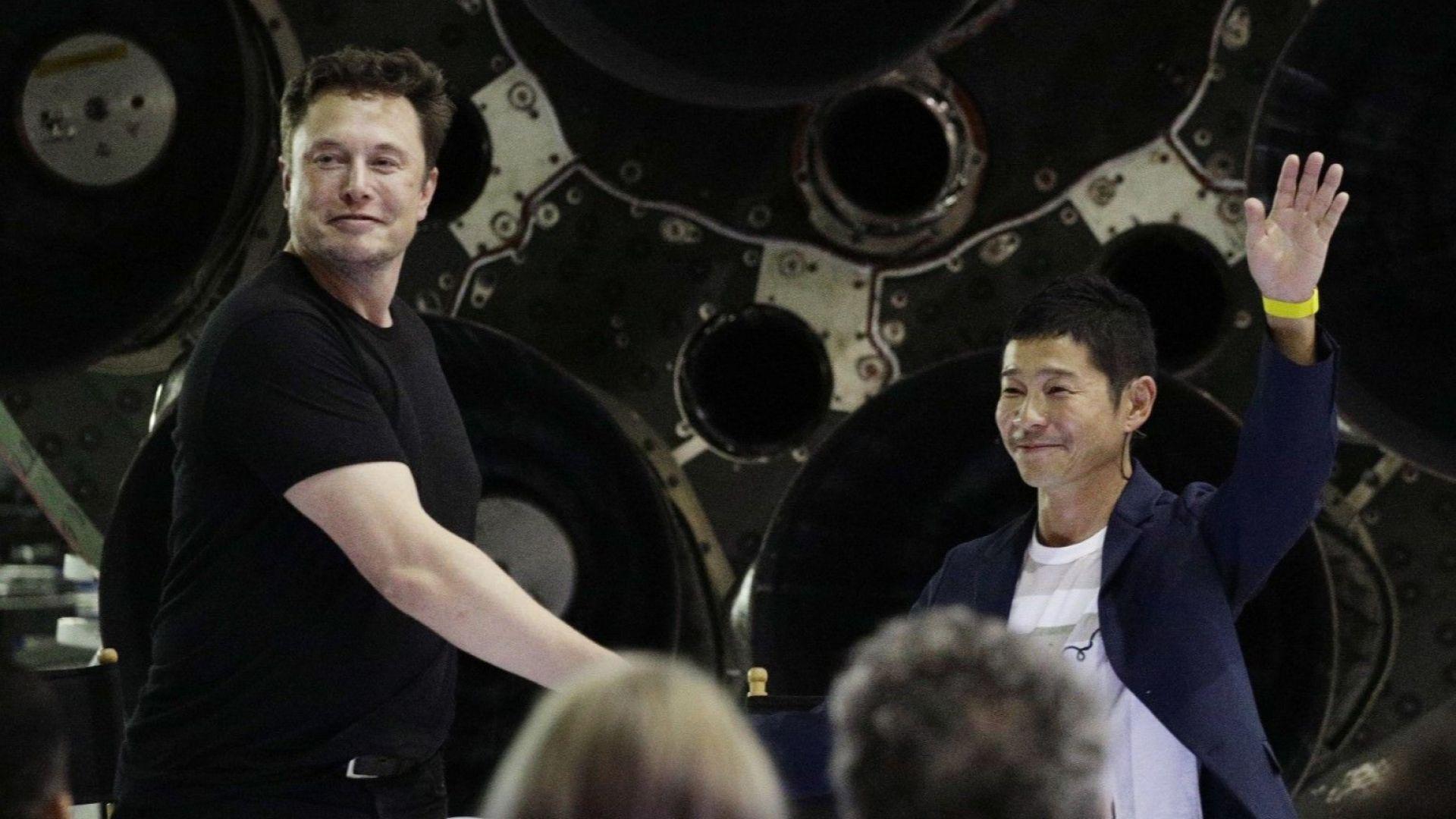 Илон Мъск представя щастливеца - първия турист до Луната