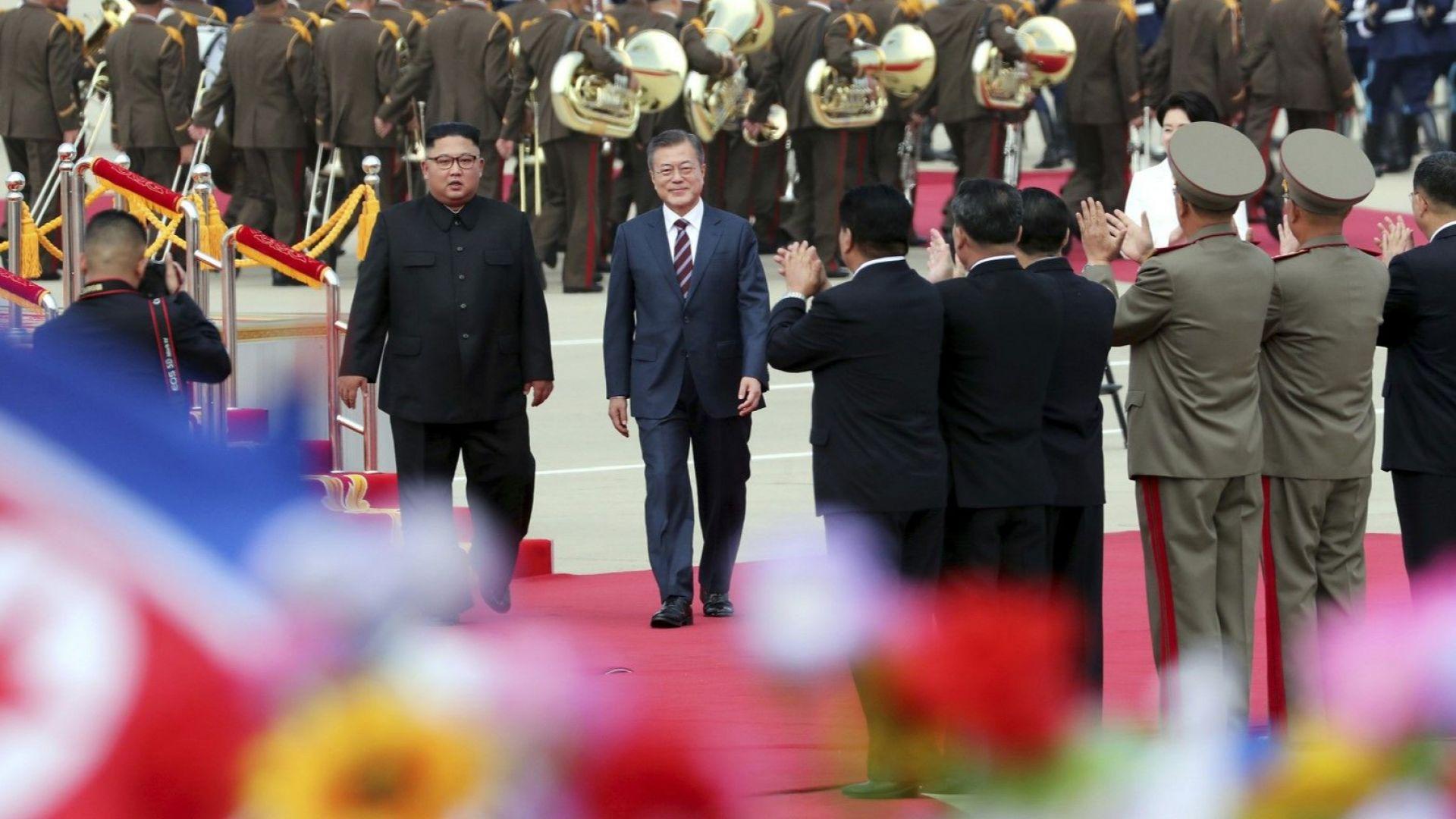 Мун пристигна в Пхенян за срещи с Ким