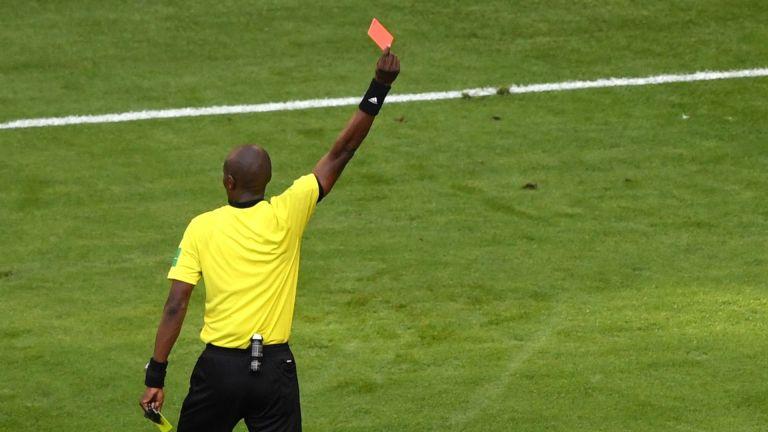 Гана рестартира футбола си с червен картон за 61 корумпирани рефери