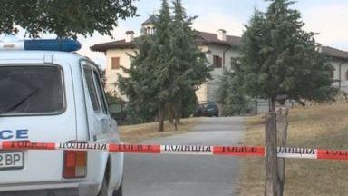 6-ма крадци с качулки нахлуха в Роженския манастир и завързаха свещеника