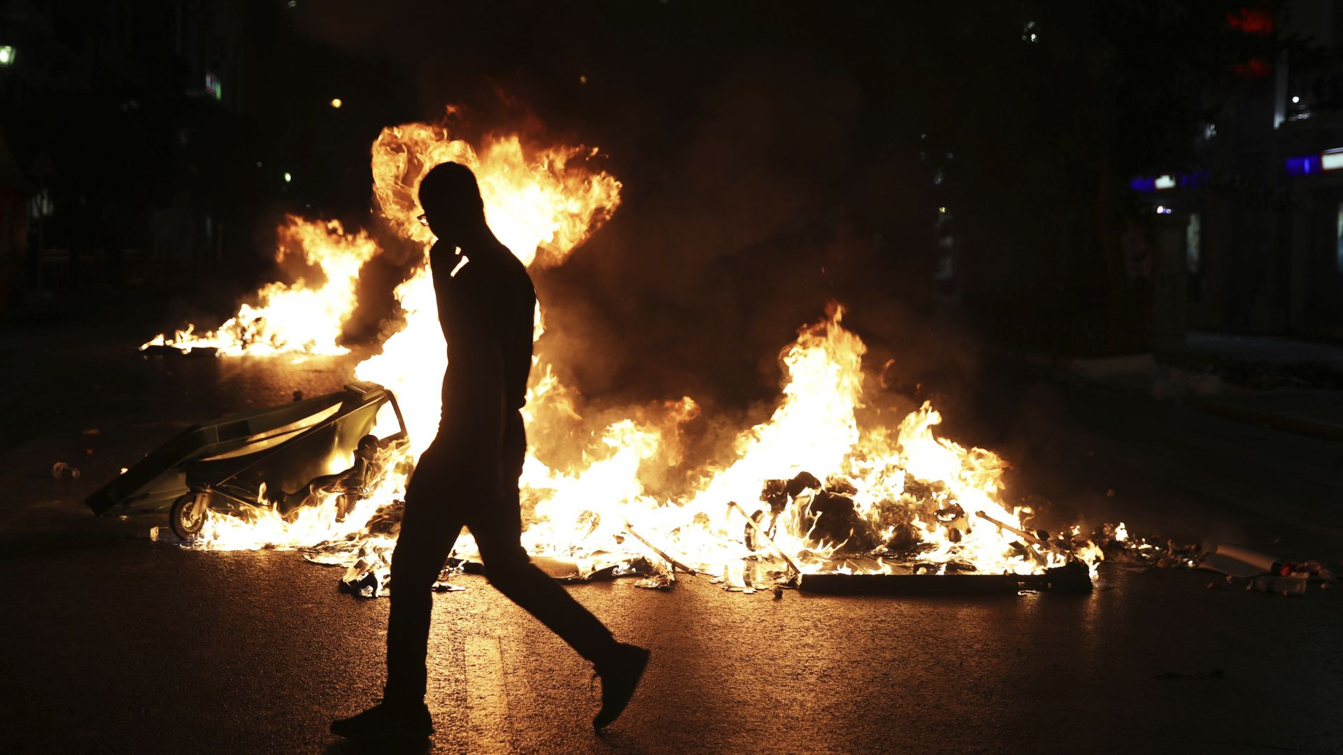 Насилие избухна на митинги в няколко гръцки града по повод