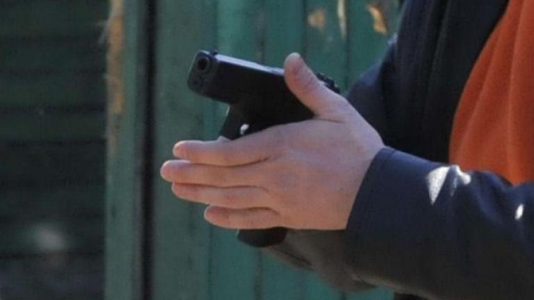 Ученик се простреля в главата при опит да си направи селфи