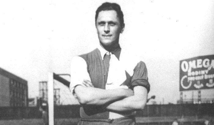 1.Йозеф Бицан е лидер във вечната класация с впечатляващите си 805 гола. Най-успешният му период е в Славия (Прага), като в кариерата си вкарва за три различни национални тима