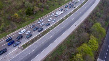 """Спират движението на """"Хемус"""" край Ябланица за няколко часа"""