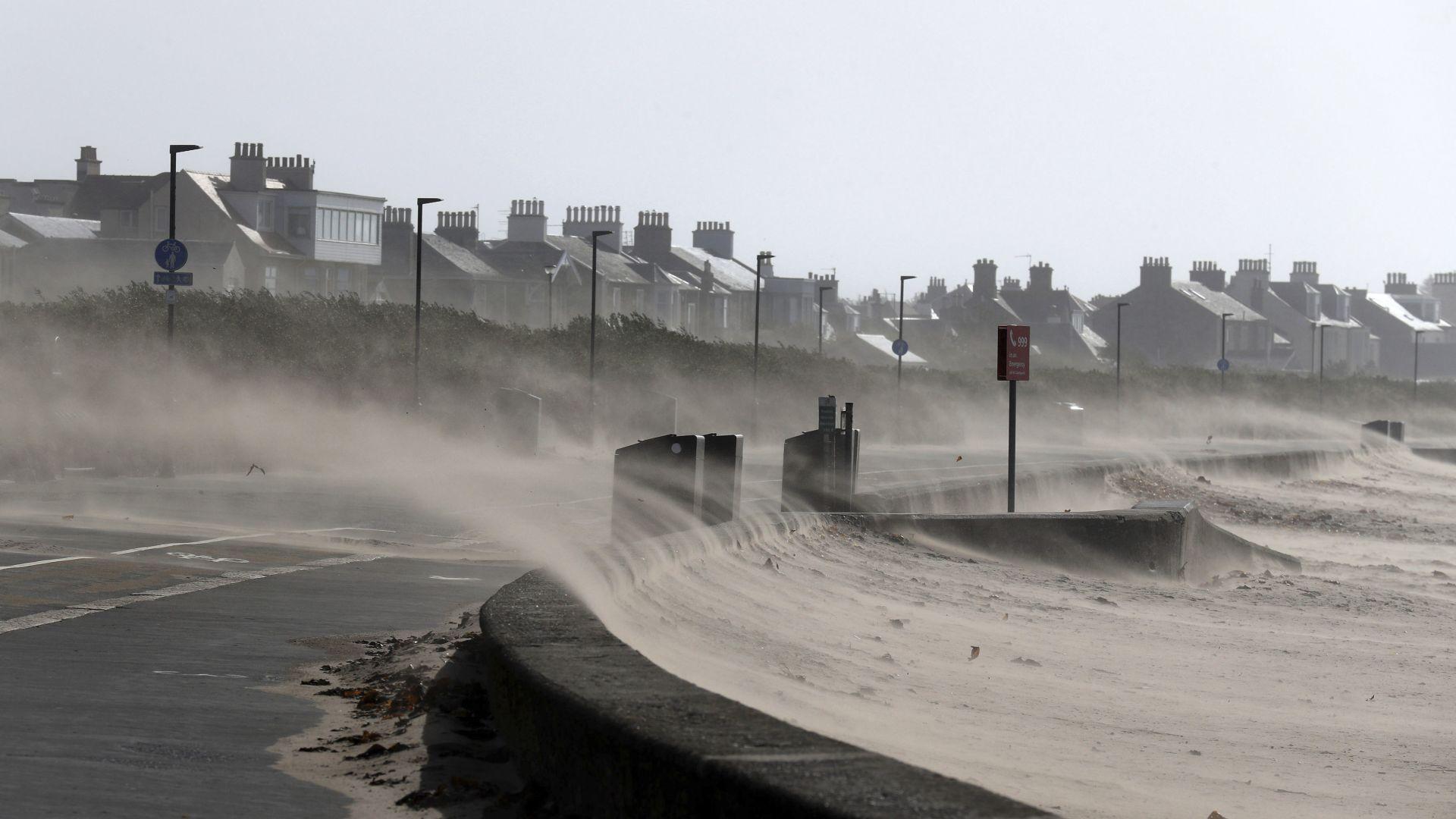 """Бурята """"Али"""" отнесе каравана и уби туристка в Ирландия"""
