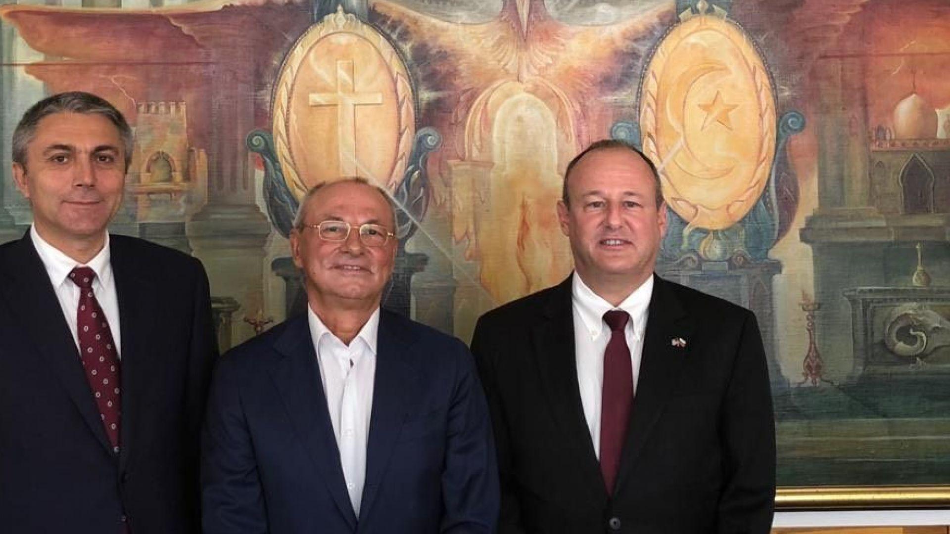 Посланикът на САЩ в България Ерик Рубин е посетил централата